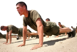 picture of army personnel doing push-ups